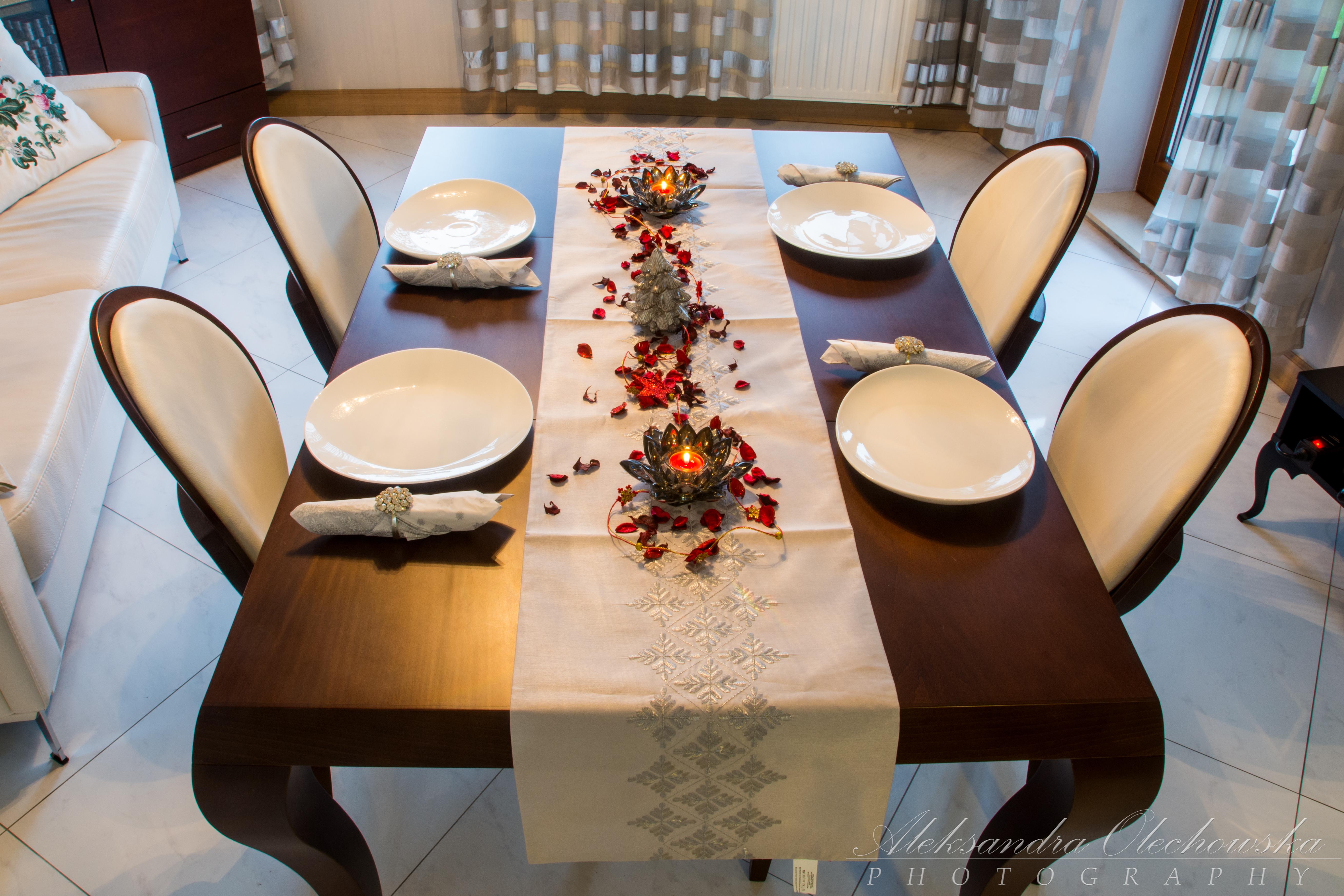 Pomysł na świąteczną aranżację stołu
